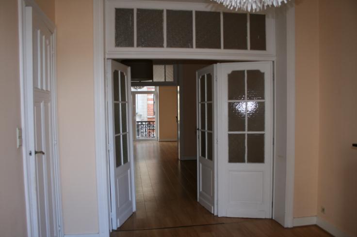 Appartement de 2façades à louerà Etterbeek auprix de 720€ - (6703300)