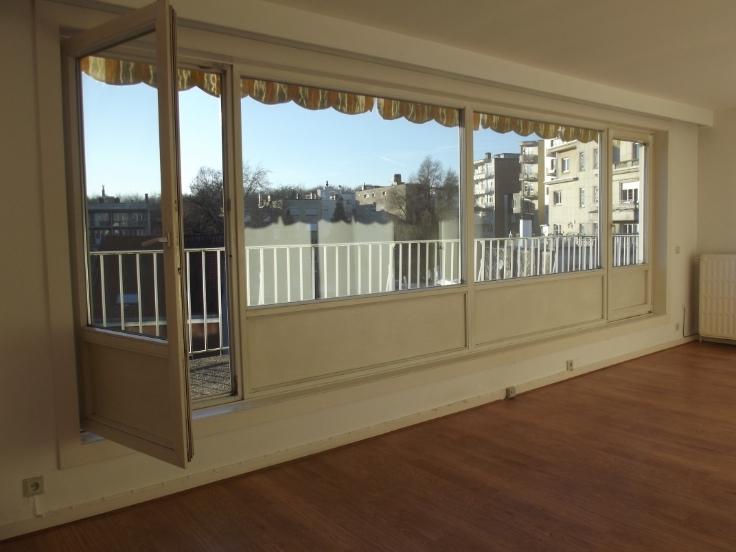 Penthouse with 3frontages for rentin Ixelles auprix de 895€ - (6704396)