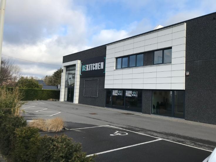 Immeuble commercial de3 façades àlouer à Erpentau prix de72.000 € -(6704482)