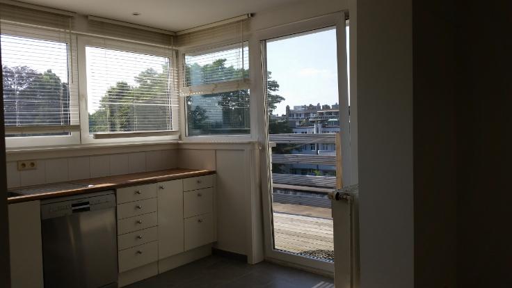 Penthouse van 3gevels te huurte Uccle voor850 € -(6712938)