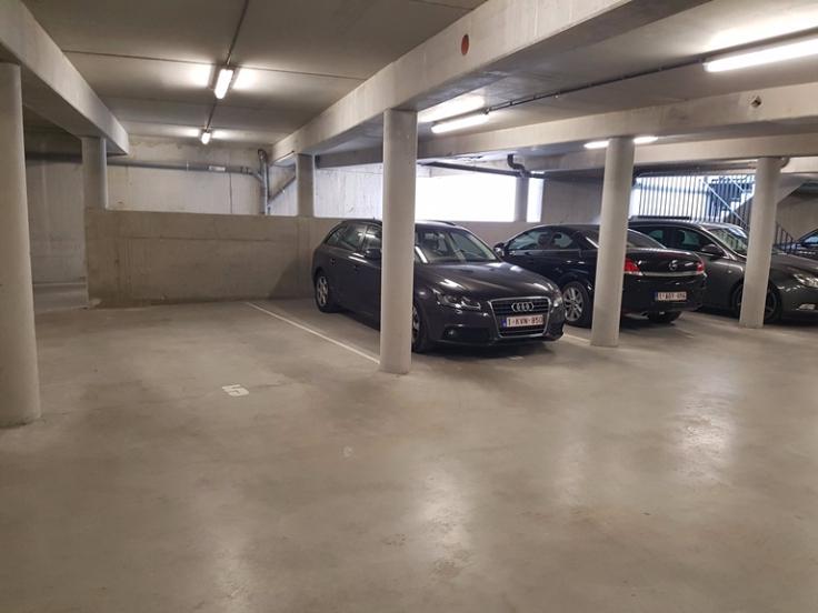 Emplacement intérieur tehuur te Louvainvoor 75 €- (6712940)