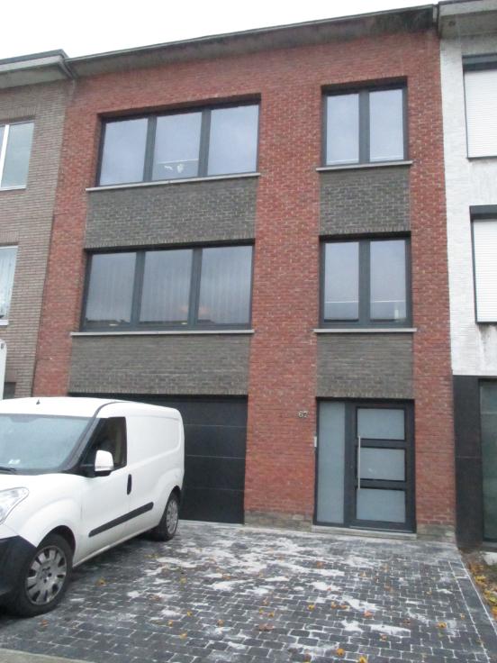 Appartement de 2façades à louerà Aartselaar auprix de 820€ - (6713476)