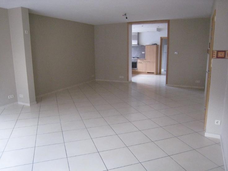 Appartement de 2façades à louerà Tubize auprix de 890€ - (6714311)