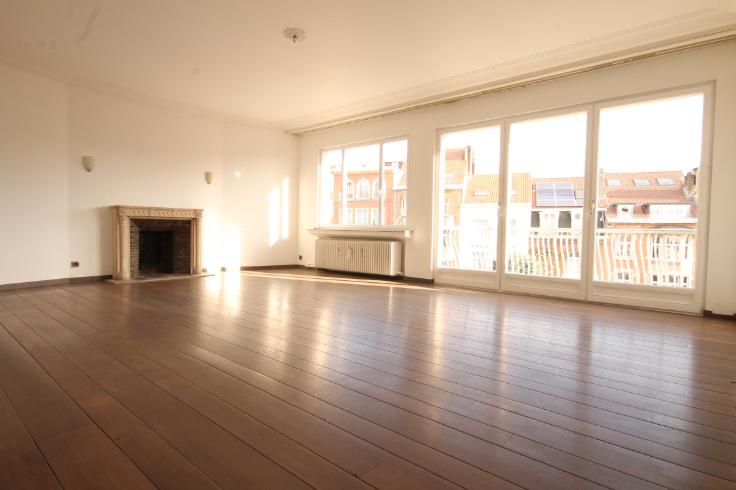 Appartement van 2gevels te huurte Ixelles voor1.150 € -(6716810)