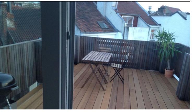 Duplex de 2façades à louerà Ixelles auprix de 1.220€ - (6720694)