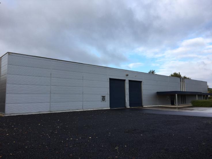 Immeuble industriel de4 façades àlouer à Alostau prix de140.000 € -(6722130)