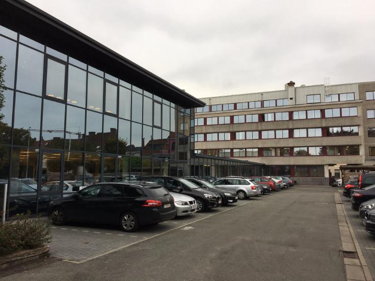 Immeuble de bureauxde 4 façadesà louer àGand au prixde 65.780 €- (6722167)