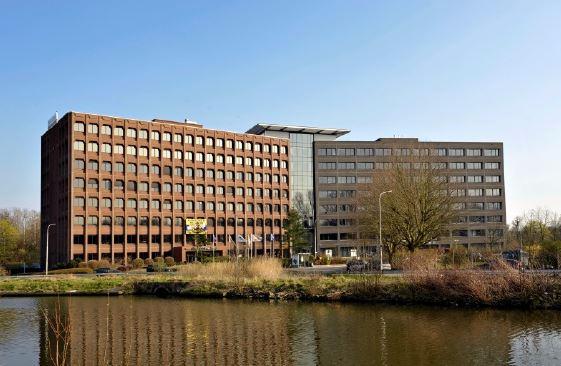 Bureaux with 4frontages for rentin Gand auprix de 32.110€ - (6722227)