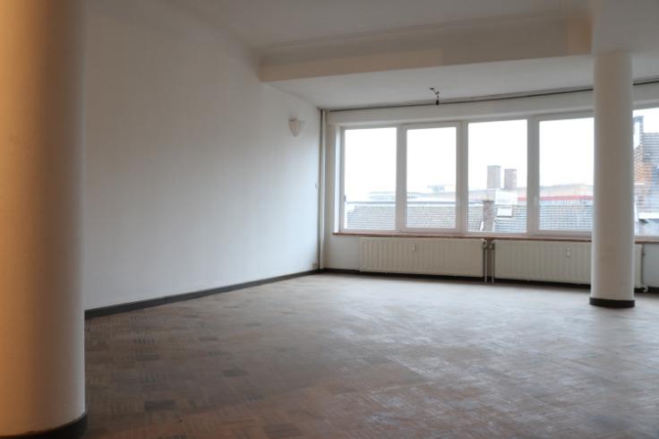 Appartement de 2façades à louerà Charleroi auprix de 650€ - (6722510)