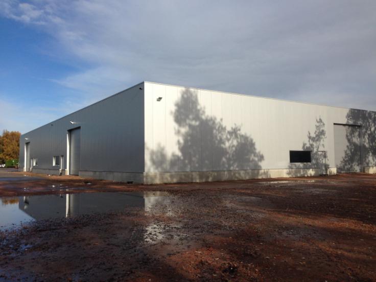 Immeuble industriel van1 gevel tehuur te Wuustwezelvoor 6.720 €- (6724419)