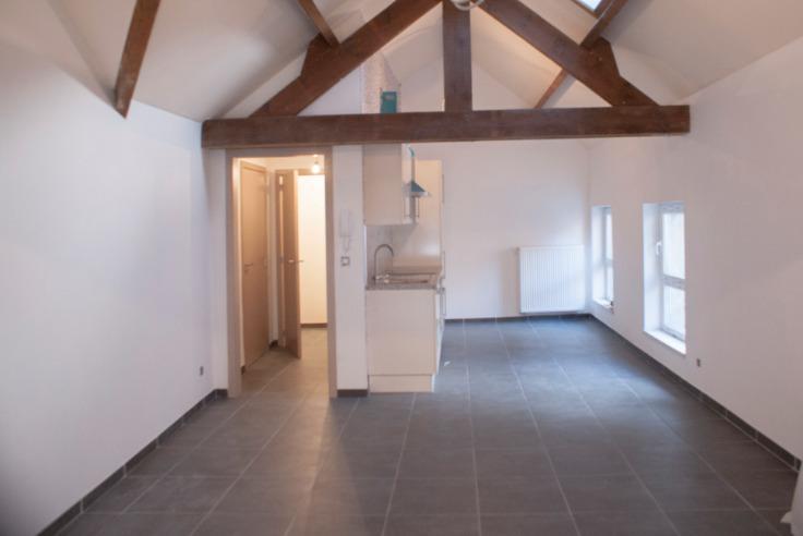 Appartement de 2façades à louerà Charleroi auprix de 670€ - (6728444)