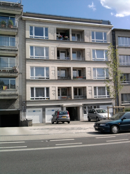 Appartement with 2frontages for rentin Neder-over-Heembeek auprix de 850€ - (6730844)