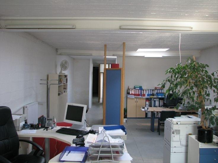 Bureaux te huurte La Louvierevoor 13.200 €- (6733290)