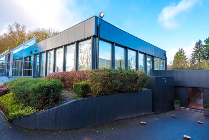 Immeuble mixte van4 gevels tehuur te Lovervalvoor 36.000 €- (6735059)