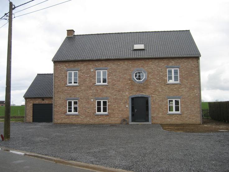 Appartement de 4façades à louerà Hannut auprix de 730€ - (6735899)