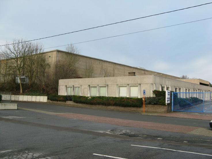 Industrieel gebouw tehuur te Jumetvoor 249.240 €- (6746417)