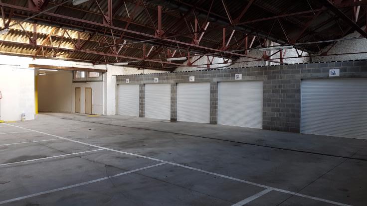 Garage louer cp 4000 li ge et entit s for Garage interieur a louer