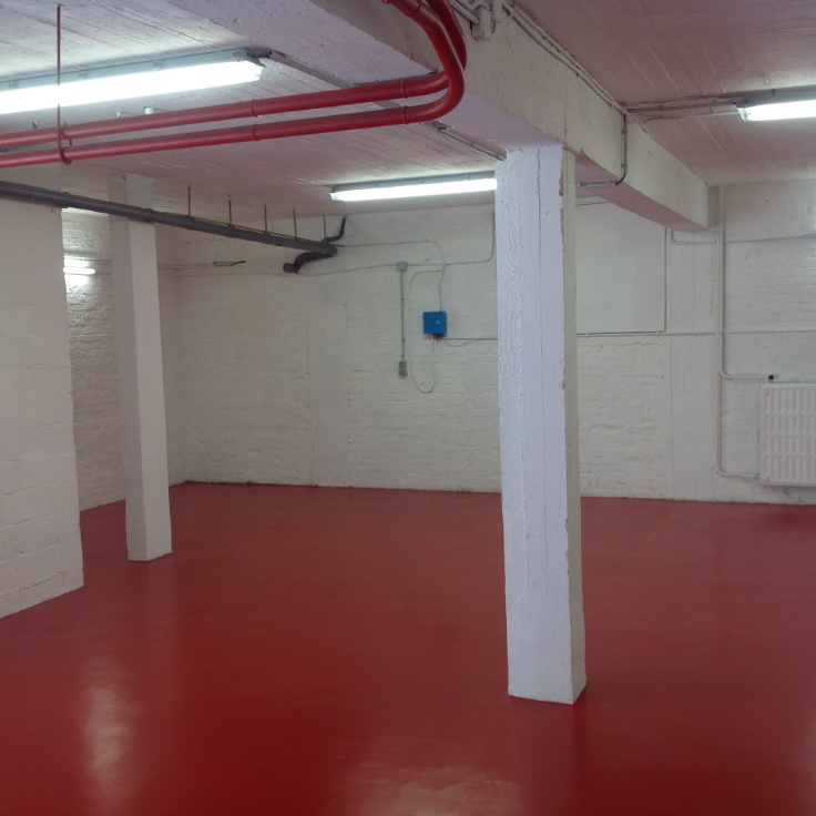 Garage louer waterloo location cp 1410 for Garage interieur a louer