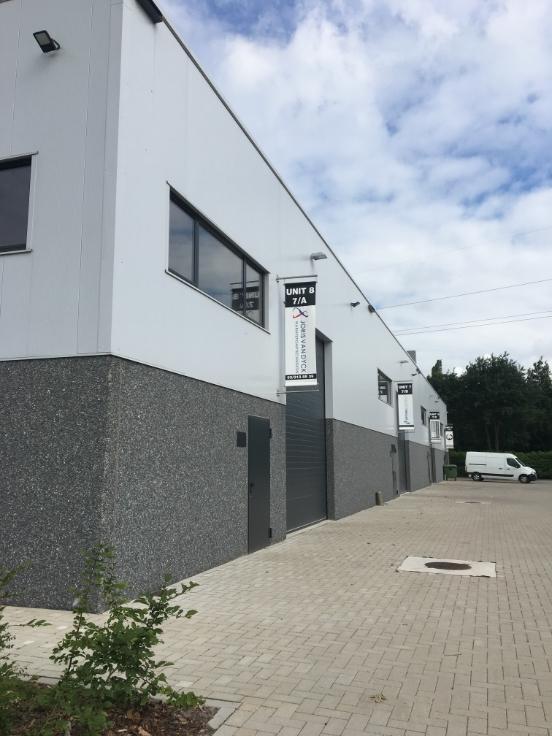 Industrieel gebouw tehuur te St-Lenaertsvoor 19.440 €- (6853191)