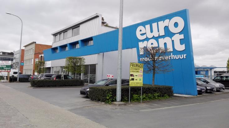 Industrieel gebouw tehuur te Deurnevoor 33.000 €- (6932364)