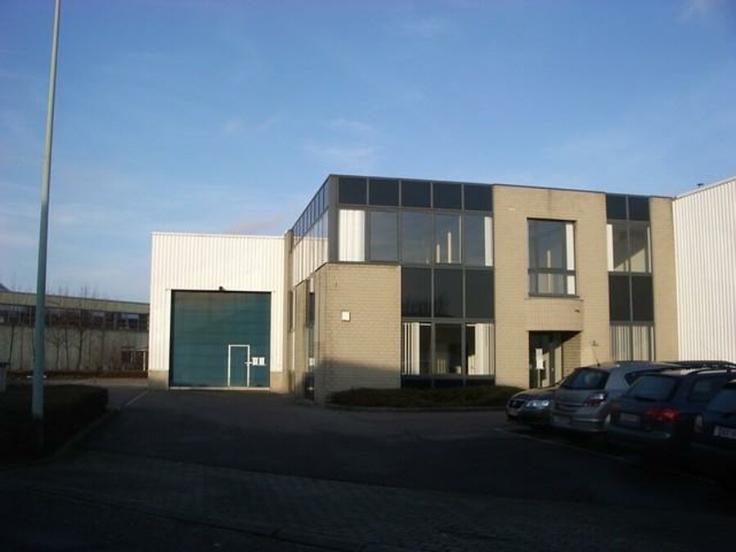 Industrieel gebouw tehuur te Aartselaarvoor 98.208 €- (6955459)