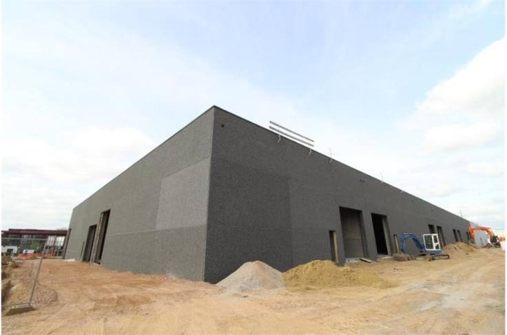 Industrieel gebouw forrent in Oudenaardeau prix de13.200 € -(7009656)