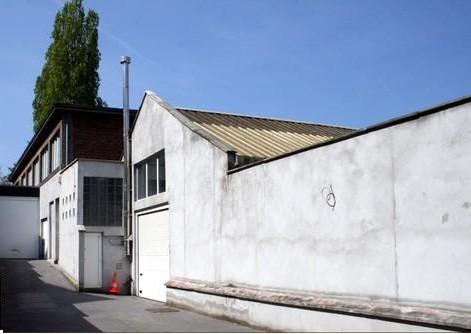 Gebouw gemengd gebruikvan 3 gevelste huur teJemeppe-sur-Meuse voor 16.200€ - (7033003)