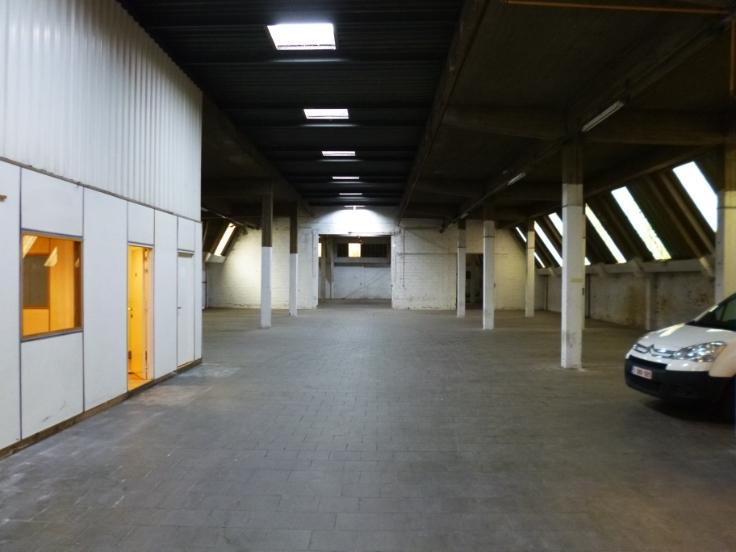 Industrieel gebouw de2 façades àlouer à Evereau prix de42.000 € -(7087158)