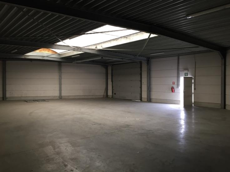 Entrepot with 3frontages for rentin Aalst auprix de 9.600€ - (7097232)