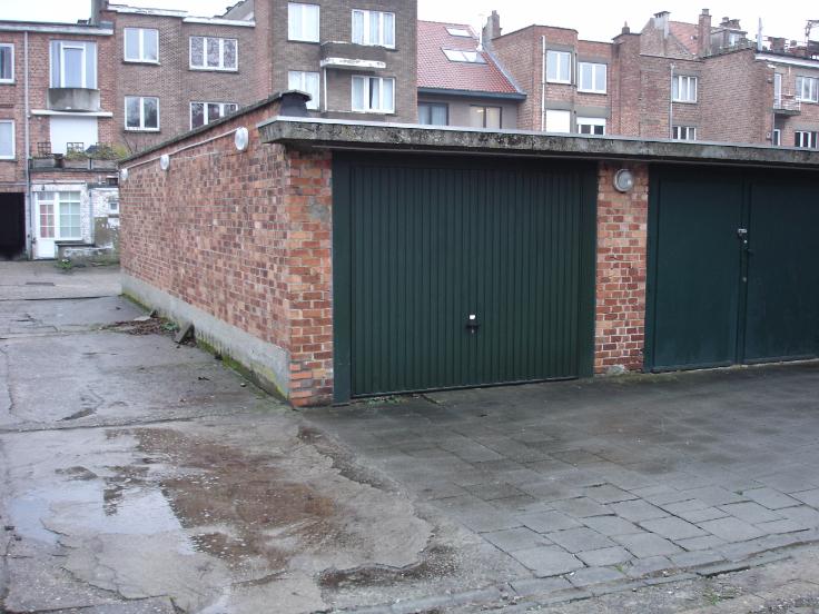 Garage louer bruxelles province for Garage box a louer
